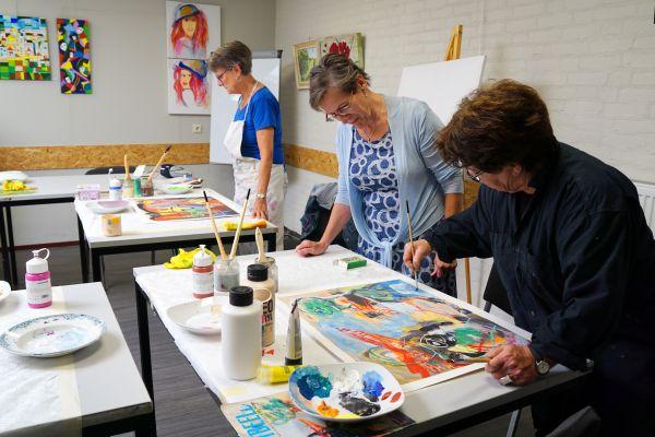 07-creatief-schilderen-dsc076167D1A12B2-1A7F-3344-B8FF-62852DACA05C.jpg